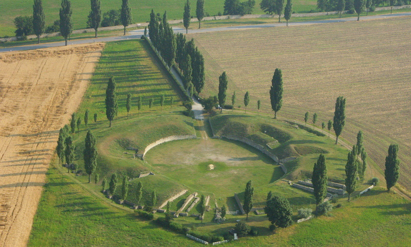 Carnuntum's larger amphitheatre is only a 10 minute walk away from the Roman City Quarter.